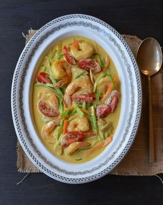 Prawn and chicken coconut curry
