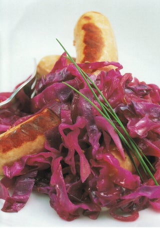 Bratwurst With Fennel And Red Cabbage