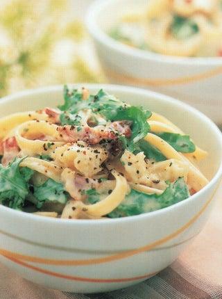 Blue cheese sauce on pasta