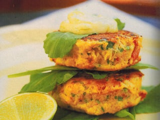 Fresh Crab Cakes With Rocket And Lime Mayonnaise
