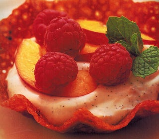 Fruit Ginger Snap Baskets With Vanilla Cream