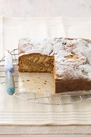 Spiced Apple And Walnut Cake