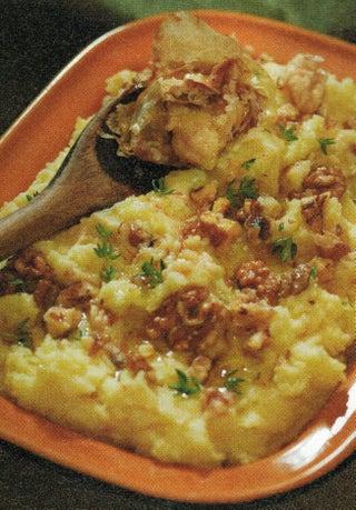 Roasted Garlic Mashed Potatoes with Walnuts