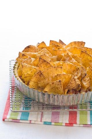 Beef 'n'  nacho chip pie