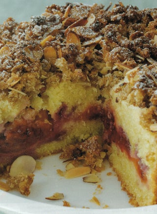 Tamarillo struesel cake