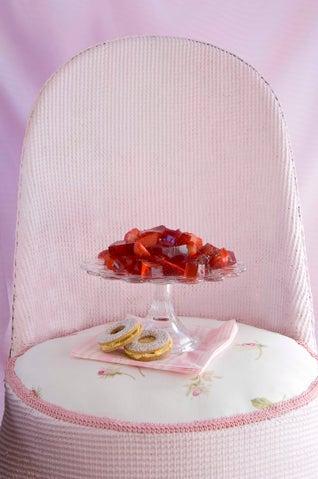 Garden-fresh strawberry jelly