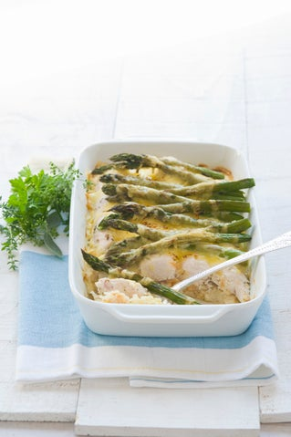 Hash brown, chicken and asparagus bake
