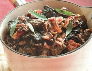 Roasted garlic, mushroom and beef braise