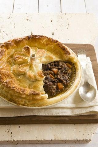 Braised oxtail pie