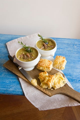 Pea and ham soup (slow cooker method)