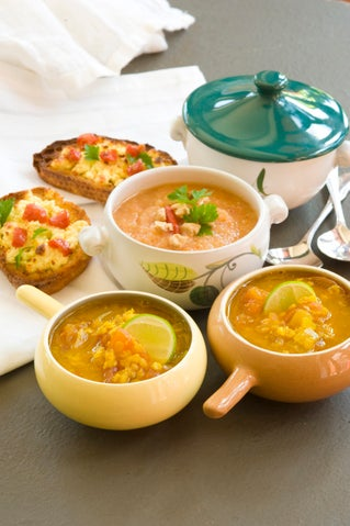 Curried fresh tomato and lentil soup