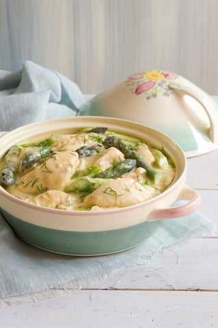 Chicken and asparagus fricassee