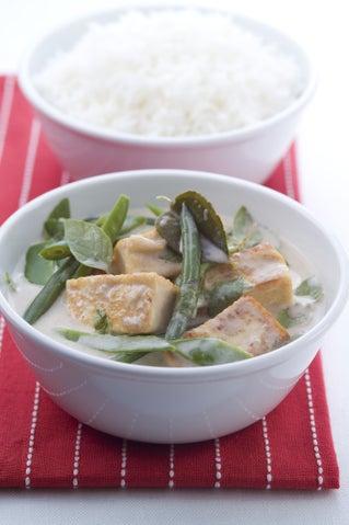 Tofu and basil curry