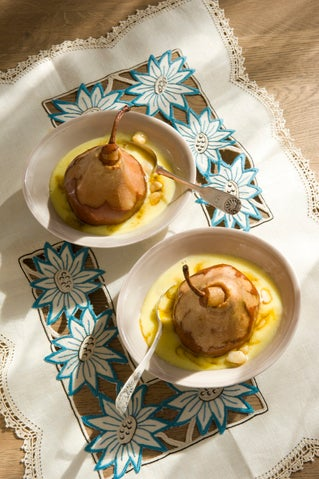 Whisky baked pears