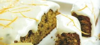 Avocado oil, fruit and nut cake