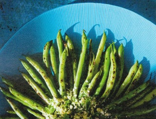 Beans with parsley and garlic crumble