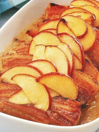 Apple and pork bake