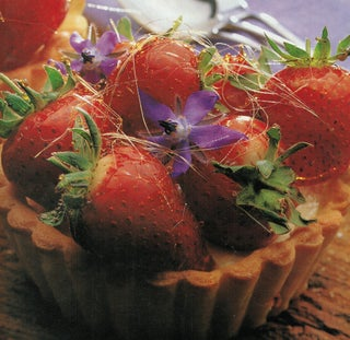 Strawberry toffee tarts
