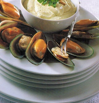 Mussels With Pinenut Dip
