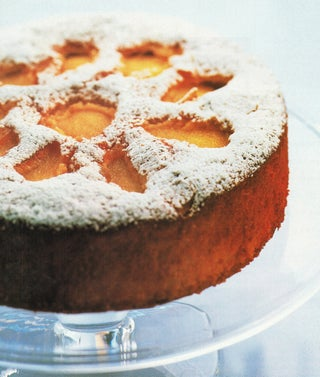 Goat's yoghurt, ginger and pear syrup cake