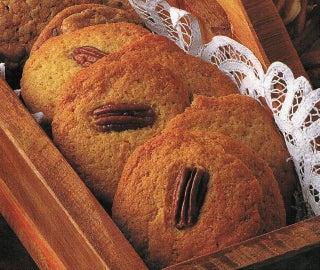 Cinnamon nut biscuits