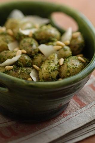 Potatoes and rocket pesto