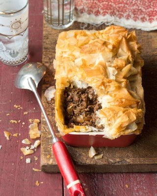 Sweet beef and fig filo pie