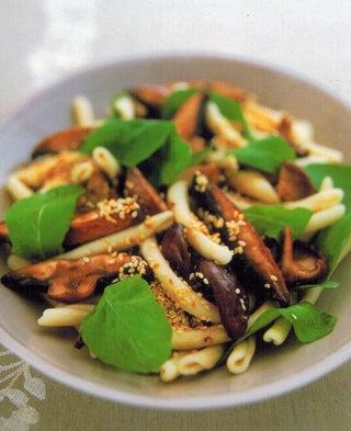 Sesame mushroom salad