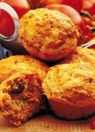 Tomato and cheese muffins